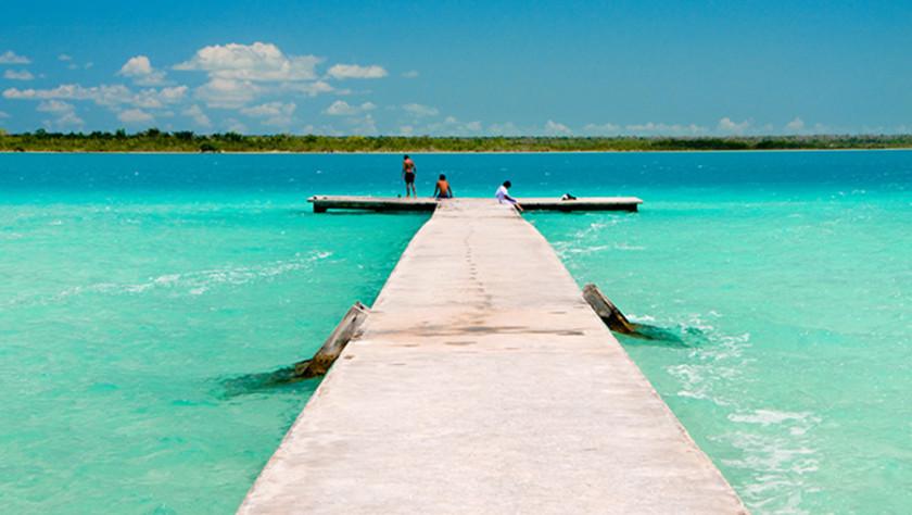 """""""Laguna siete colores en Bacalar, Quintana Roo"""" Bacalar la laguna de los siete colores"""